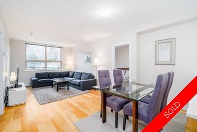 Norgate Condo for sale:  2 bedroom 910 sq.ft. (Listed 2019-02-20)